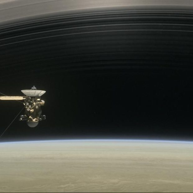 «Кассини» приступает к выполнению пяти последних витков вокруг Сатурна