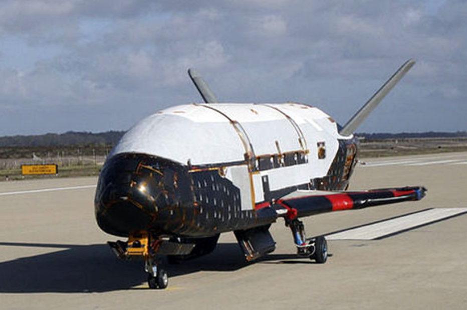 SpaceX запустила X-37, секретный космический самолет ВВС США