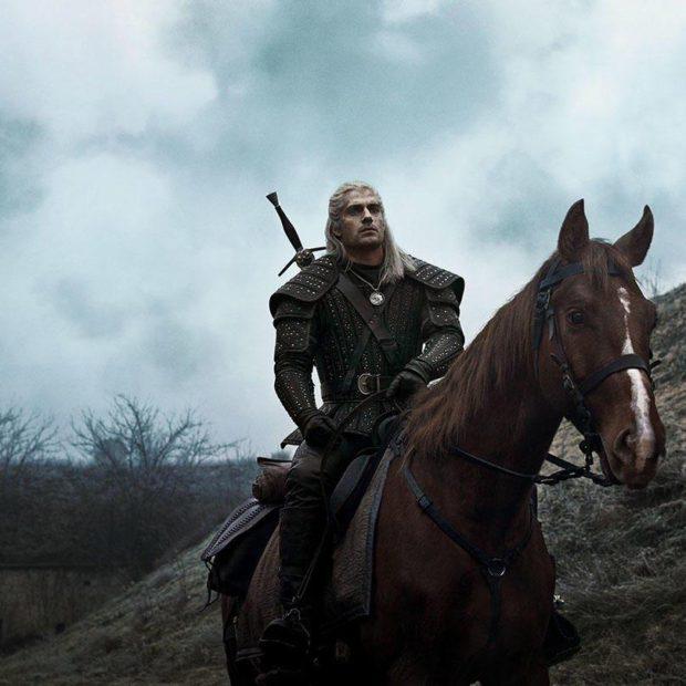 Геральт и Плотва — новые промо-фото сериала «Ведьмак»